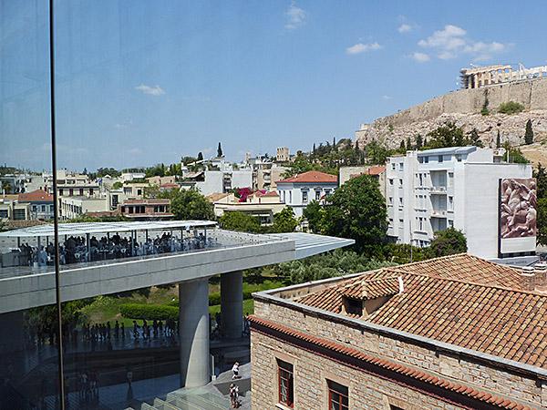 vue sur l'Acropole depuis le musée 2