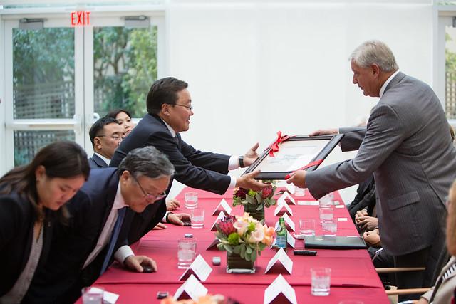 Mongolian President Tsakhiagiin Elbegdorj Delivers Guest Lecture at Penn