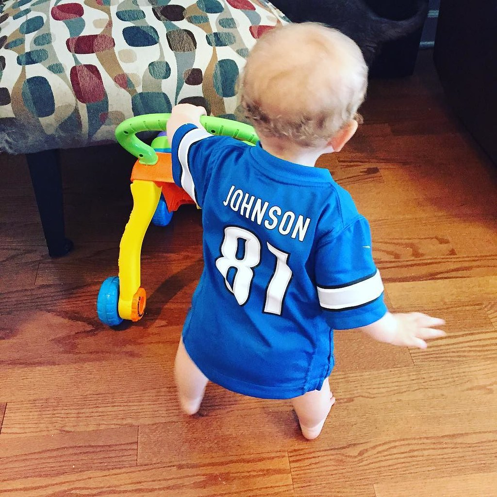 This little @detroitlionsnfl fan is starting to walk! (Don't be fooled by the exclamation point. I have very mixed feelings about this development. #sheistrouble)