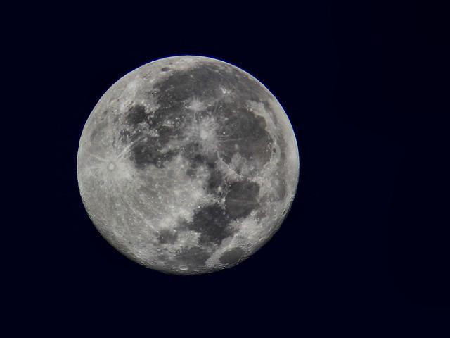 Moon HDR 20160819