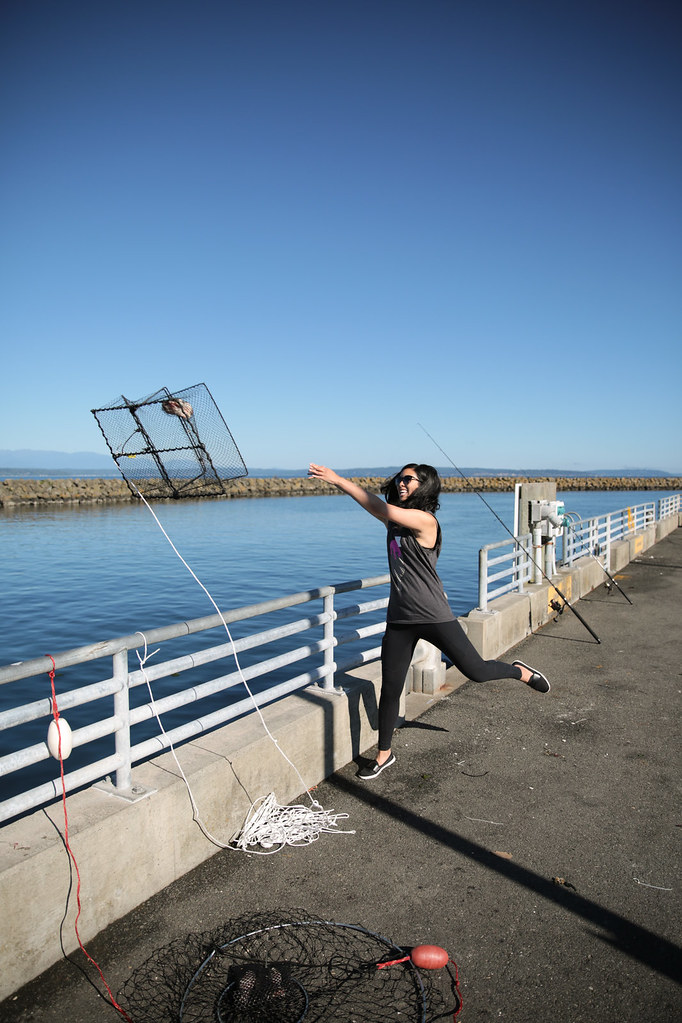 Crabbing in Seattle: Throwing the crab cage