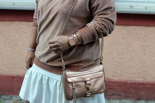 outfit-rosa-samt-pullover-trend-suede-sommer-look-style-rosegold-uhr-fashionblog-modeblog5