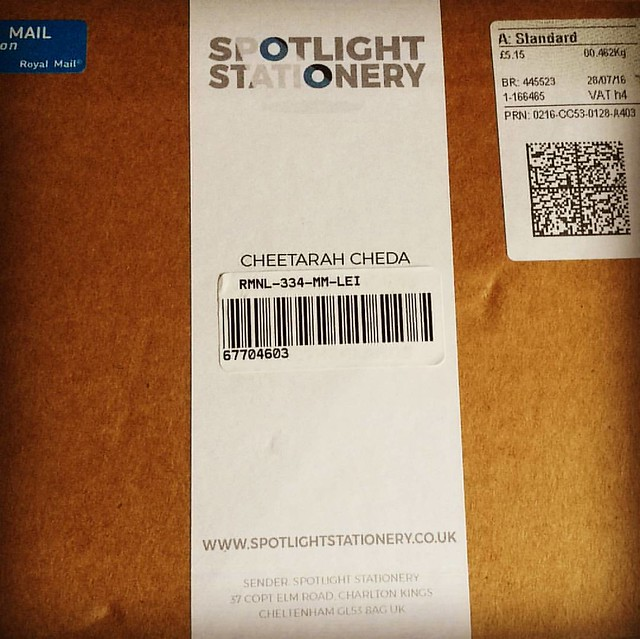 Look at what arrived today 😃 Exited to open this up @spotlight_stationery 😃 #spotlightstationery #monthlysubscriptionbox #stationeryaddict #stationery #surprises #whatsinthebox