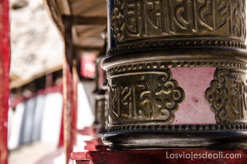 valle del indo ruedas de oración budistas