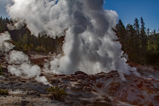 Norris Geyser Basin: Yellowstone National Park