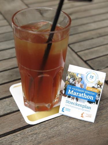 Mango-Rosmarin-Eistee (im Cafe Extrablatt in Münster)