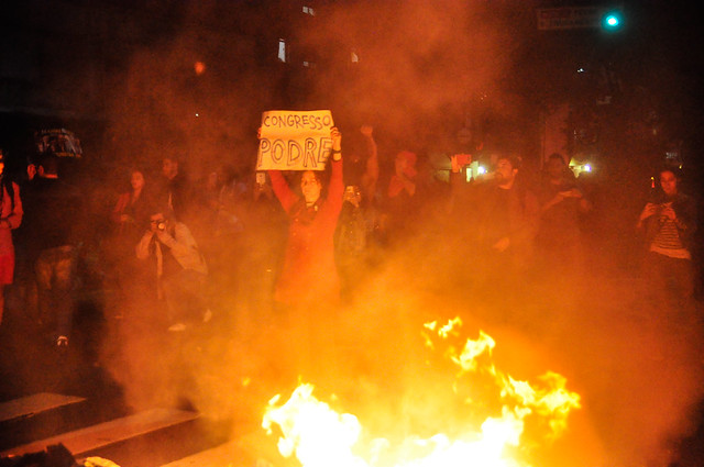 Manifestantes durante ato contra impeachment