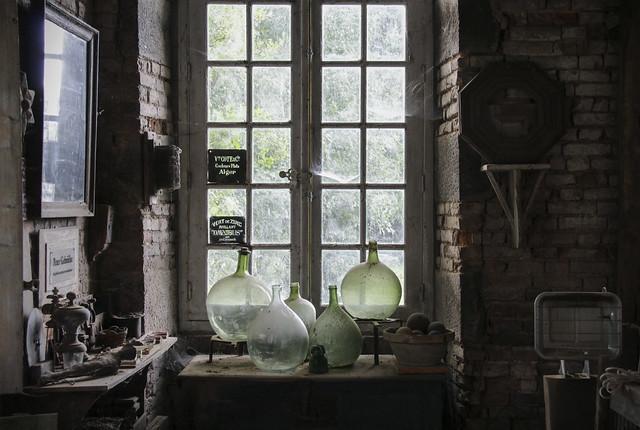 Box artist, Peter Gabrielse's atelier