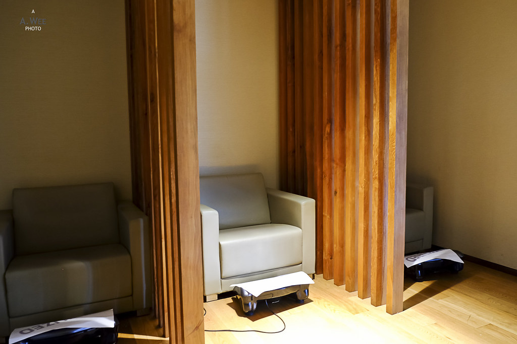 Foot massage corner