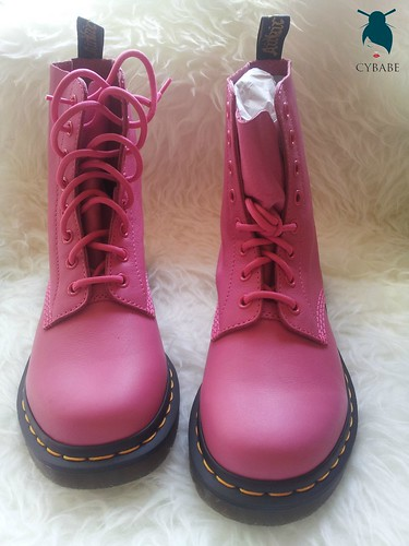Dr Martens Pascal 8 in Hot Pink