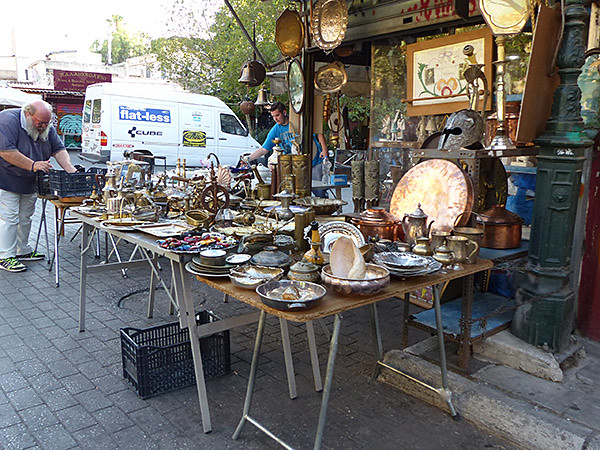 brocanteur à Monastiraki