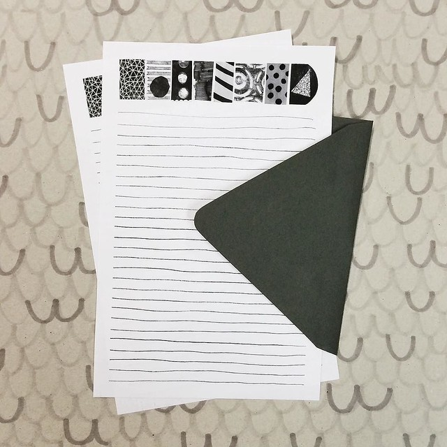 What is black and white, and read all over? This stationery set, and many others, in my shop right now. Day 94/100 #robayre100days