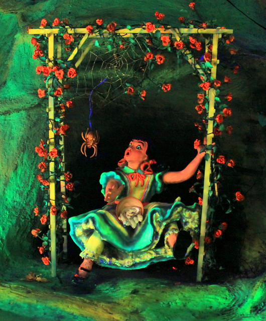 Rock City's Fairyland Caverns: Little Miss Muffet