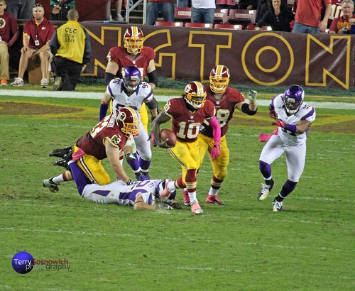 Redskins QB Robert Griffin III runs 76 yards for the touchdown!!! (Redskins 38, Vikings 26) | by (3.3 million views)