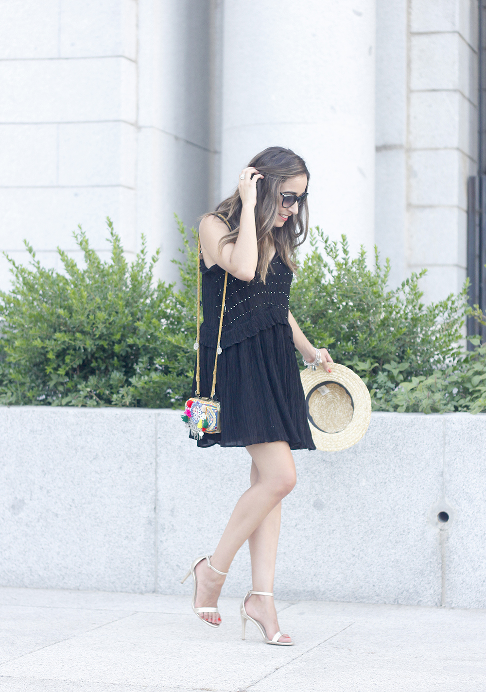 boho black canotier heels summer outfit bag with pom poms summer outfit13