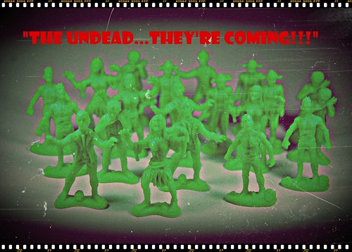EMCE Toys: Zombies vs Zombie Hunters