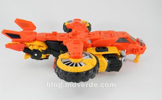 Transformers Sandstorm Voyager - Transformers Generations Takara - modo helicóptero