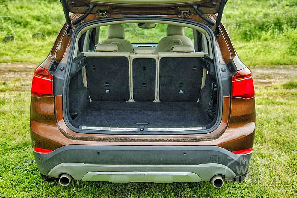2016 BMW X1 Boot 2