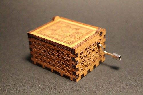 00_Engraved_Wooden_Music_Box_A_1024x1024