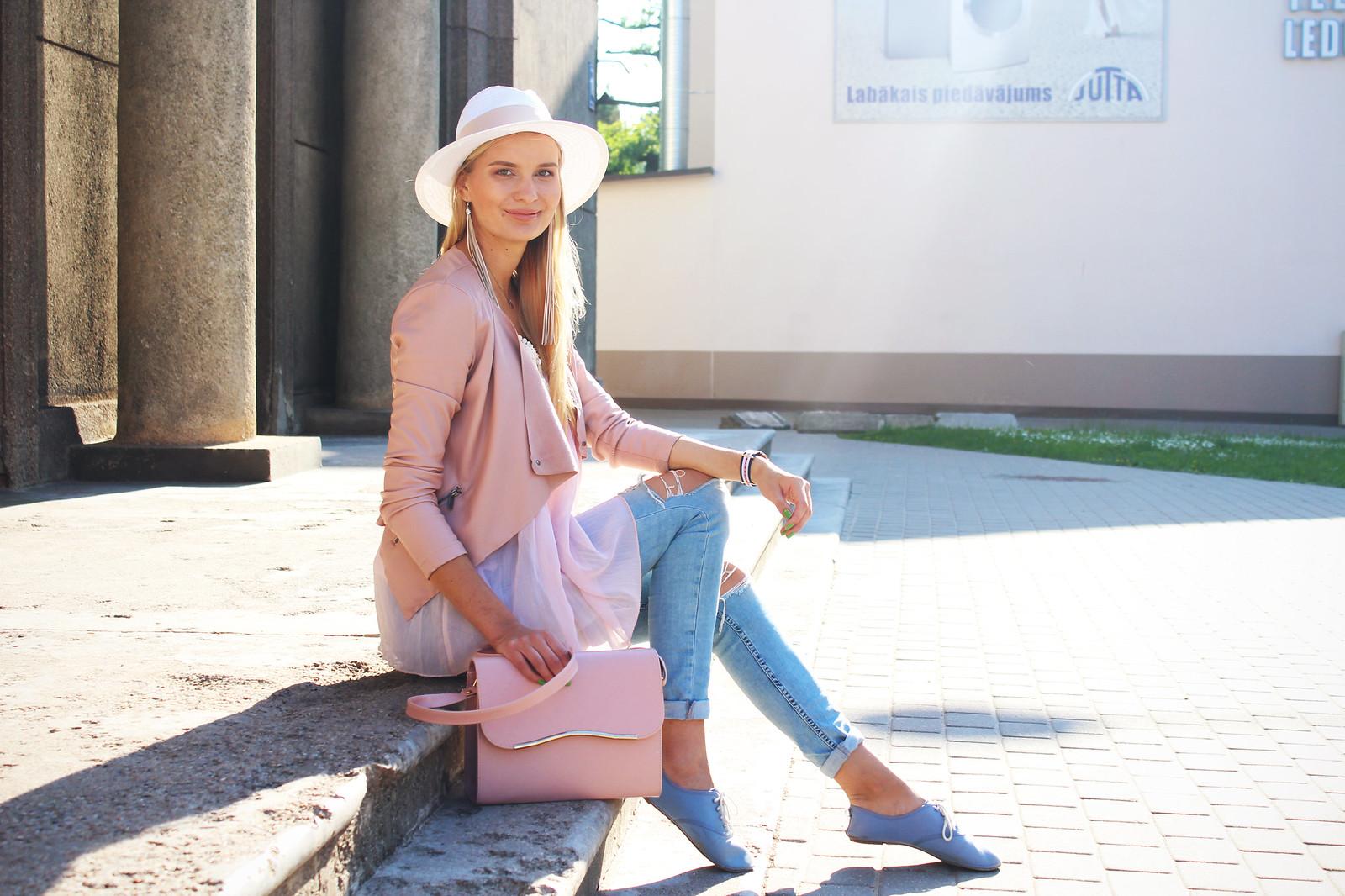 Pastel colour outfit