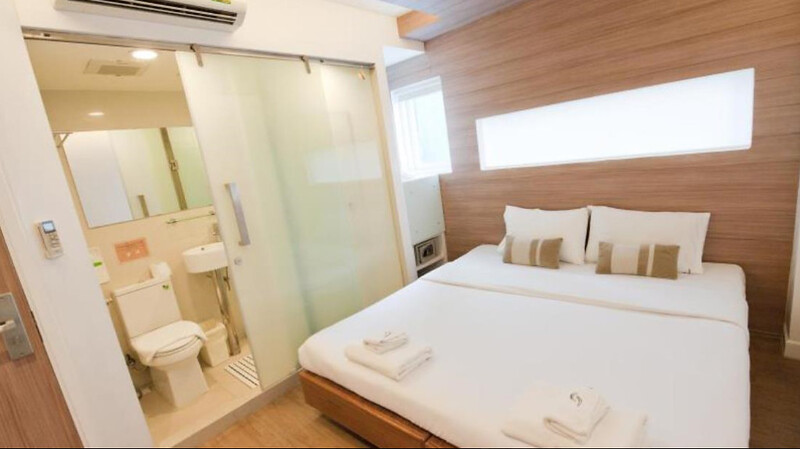 Top 20 hotels in pratunam bangkok near platinum mall for Period hotel