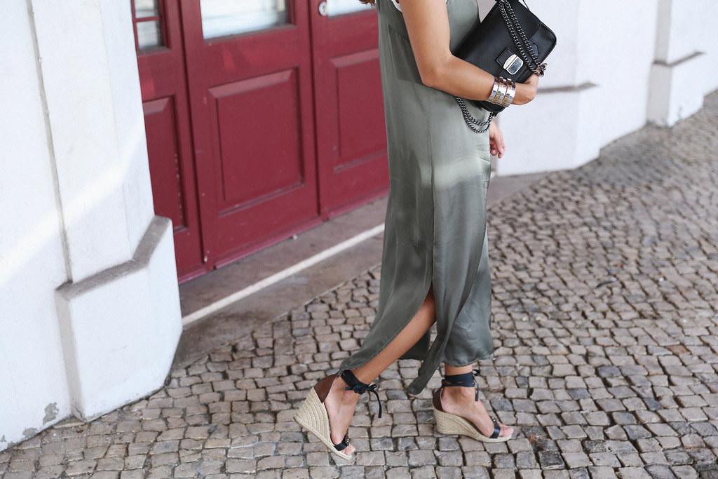 Jessie Chanes Seams for a desire Lisboa Parfois overlaid dress-11