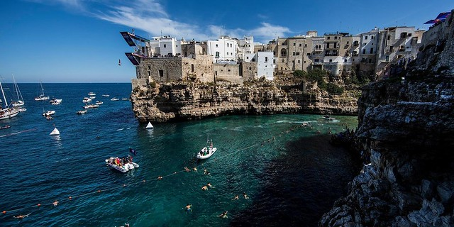tuffi redbull cliff diving polignano 2016