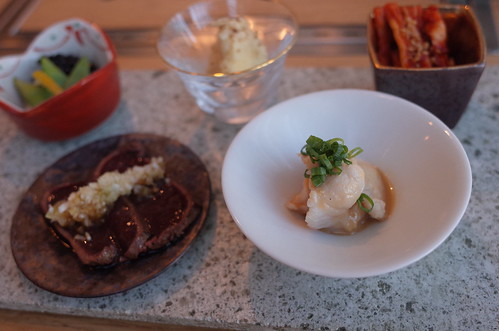 肉亭ふたご 12 キムチ ナムル 上ミノ胡麻和え ポテトサラダ レバテキ