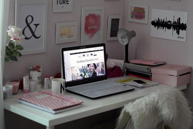 der-wirkliche-alltag-eines-fashionbloggers-arbeitsplatz-blogger-office-home8