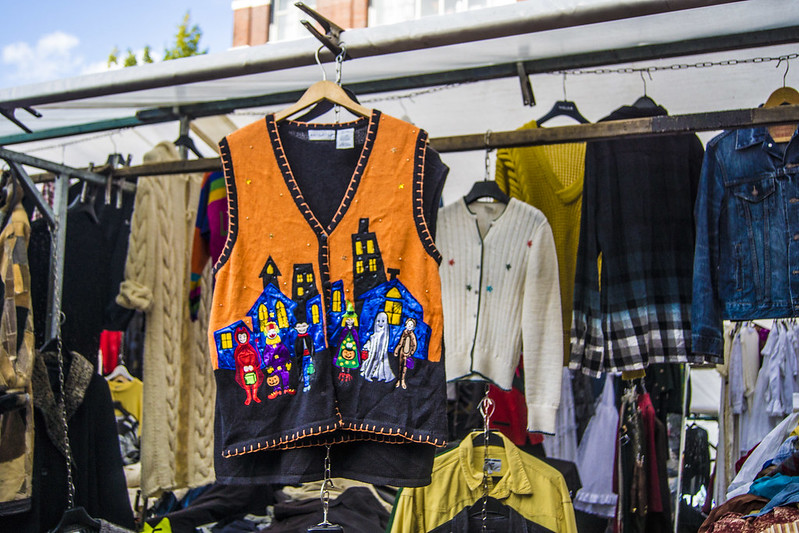 Merveille orange du marché aux puces de Waterlooplein à Amsterdam - Photo de Ksenia Novikova @ Flickr
