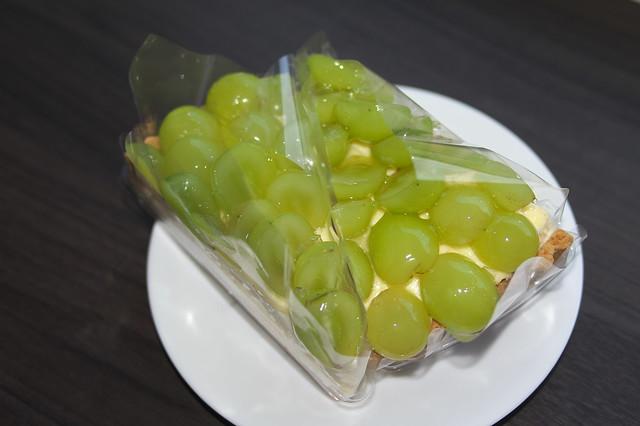 フルーツケーキファクトリー シャインマスカットのチーズケーキタルト_03