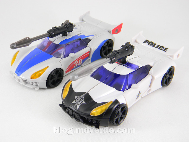 Transformers Prowl Deluxe - Transformers Prime Beast Hunters - modo alterno vs Smokescreen