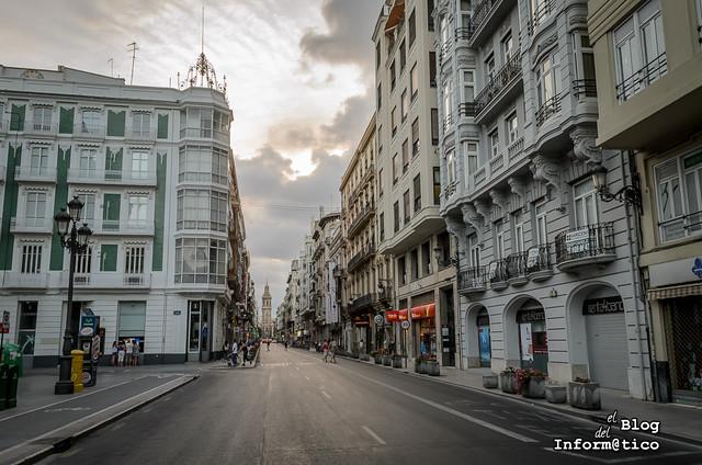 calle de la paz valencia día