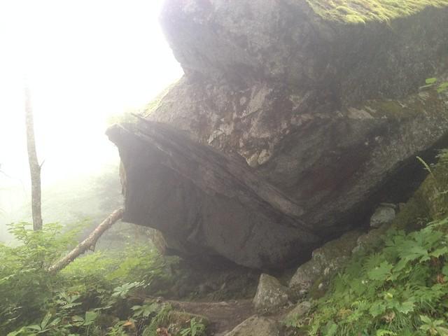 鳳凰山 ドンドコ沢 岩屋