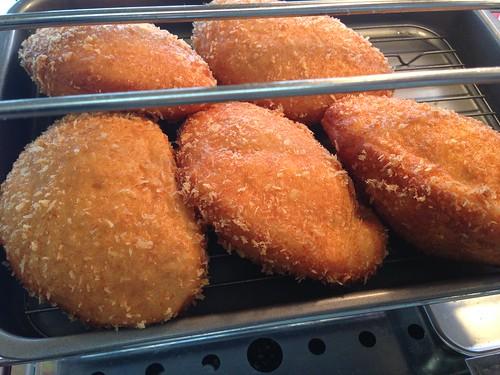 toyama-michinoeki-himi-minorinobanya-himi-beef-curry-bread01