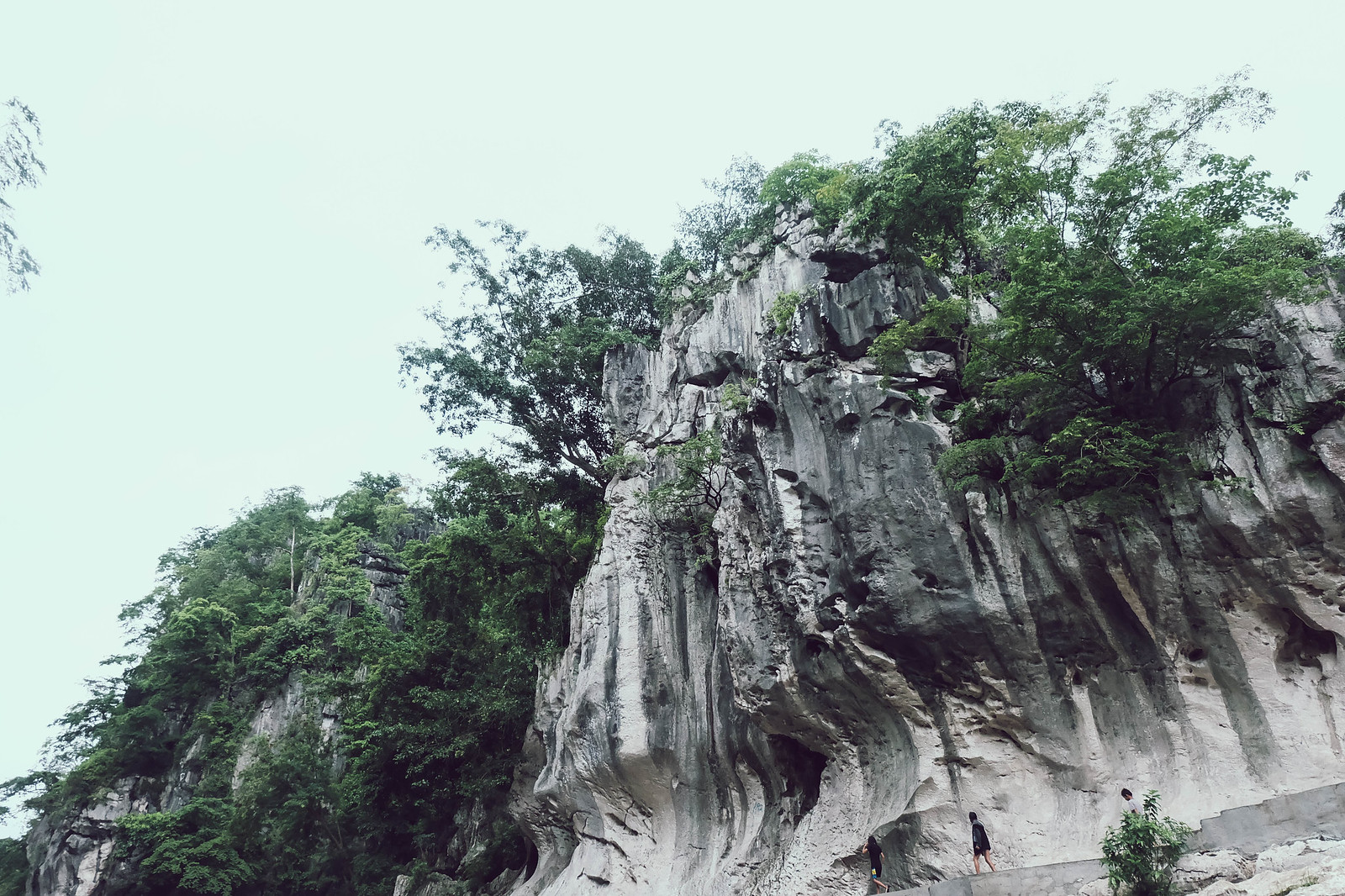 limestone formation at minalungao national park