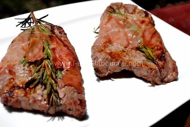 Steak de Boeuf Grillé au Jambon et Romarin © Ana Luthi Tous droits réservés 007