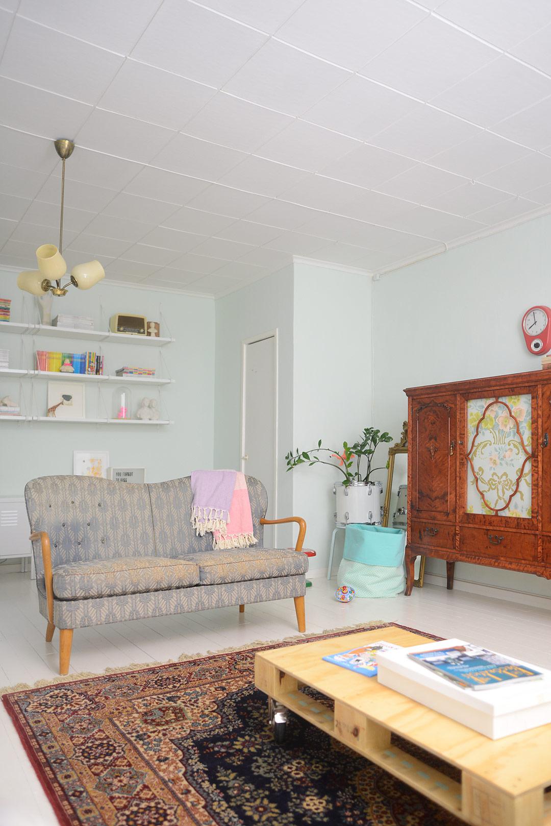 Vintage Kirman rug in the living room