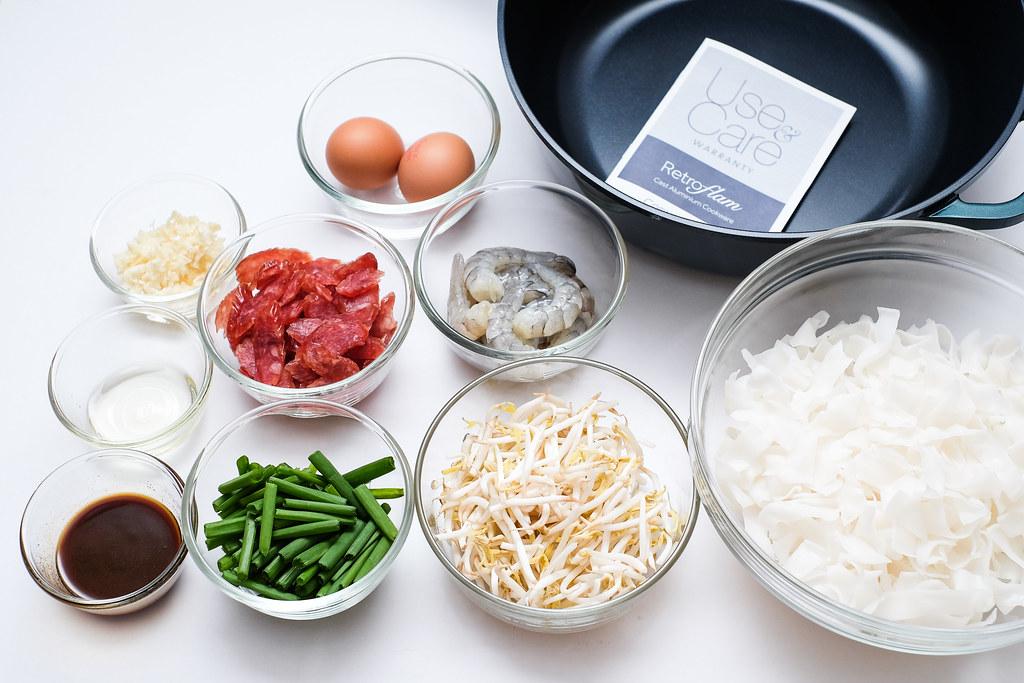 Corningware Retroflam:花生烤肉饼、炒河粉