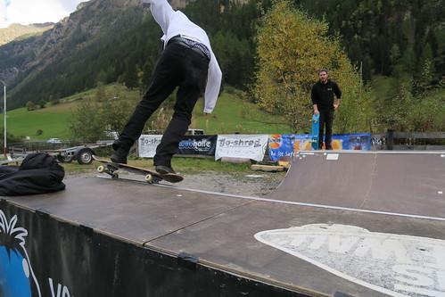 Skateboarding WUB