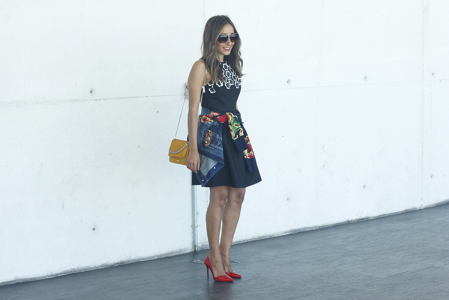 desigual black dress and denim jacket for fashion week madrid outfit fashion05
