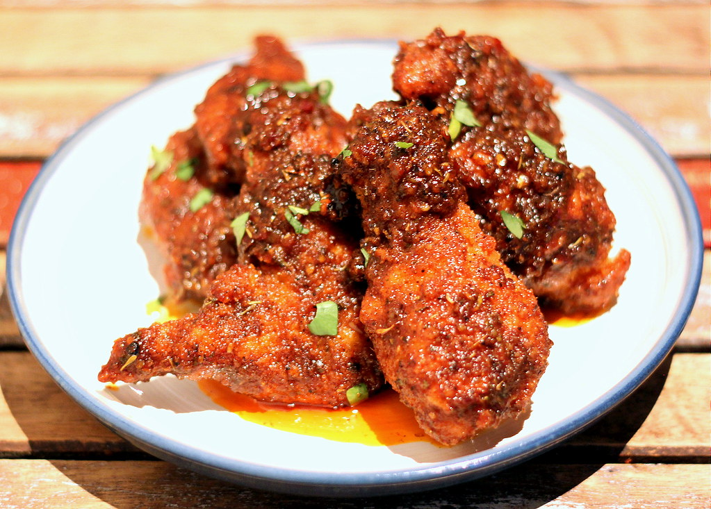 sarnies-spicy-buffalo-wings