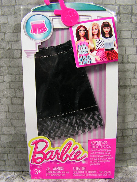 2015 Barbie Fashion DMB37