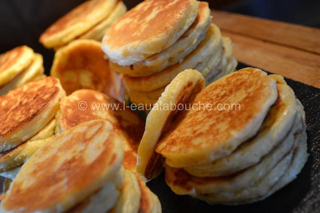 Blinis Oeufs de Lompe ou Oeufs de Saumon © Ana Luthi Tous droits réservés 001_GF
