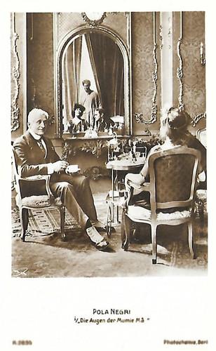 Pola Negri in Die Augen der Mumie Ma (1918)