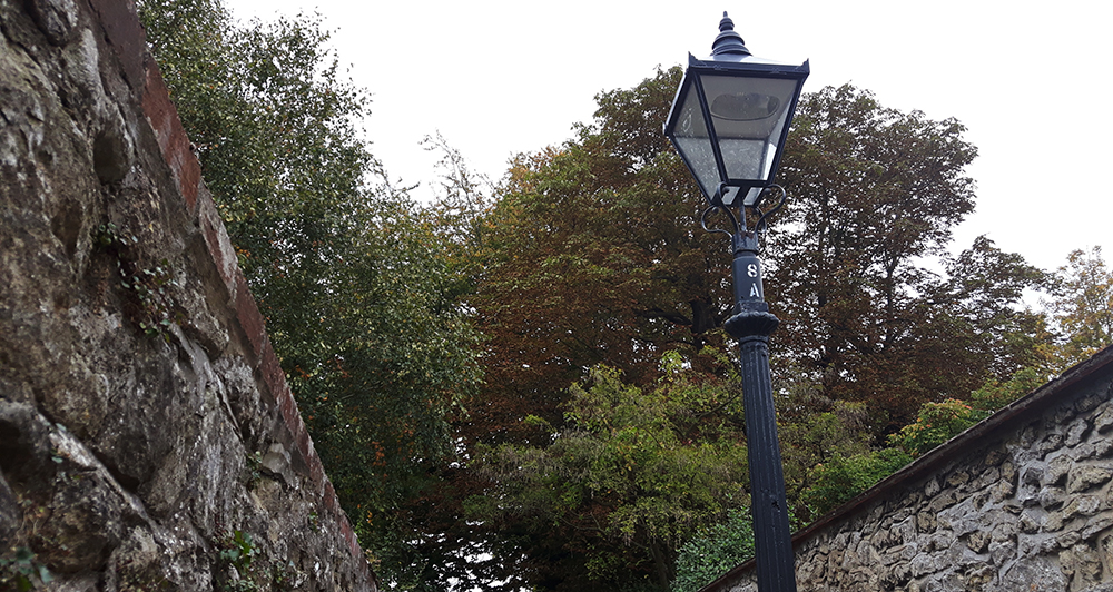 autumn-lampost