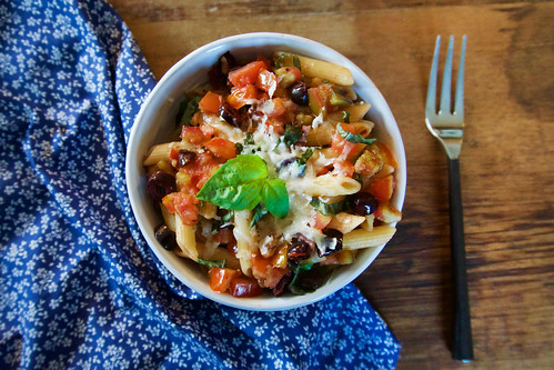 simple-heirloom-tomato-pasta-horizontal-3
