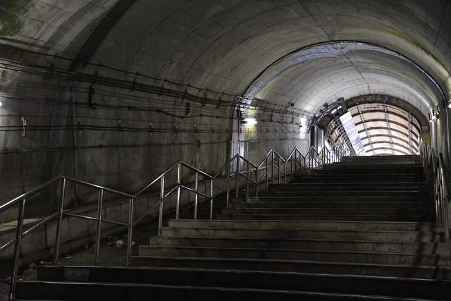 土合駅:長い階段