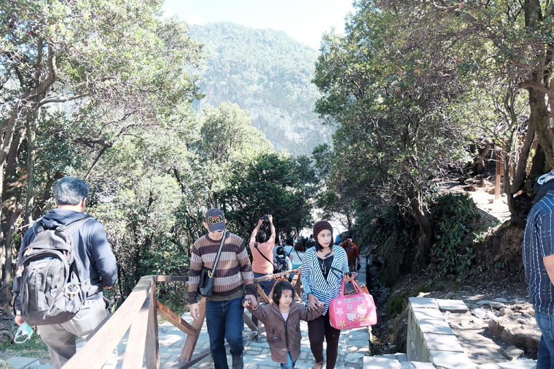 how to go to kawah putih