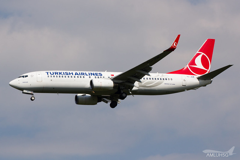 Turkish Airlines - B738 - TC-JGM (1)